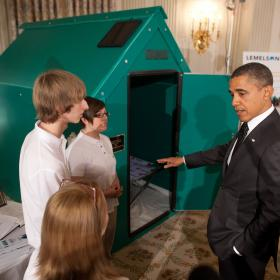Pres. Obama with students at 2012 White House Science Fair